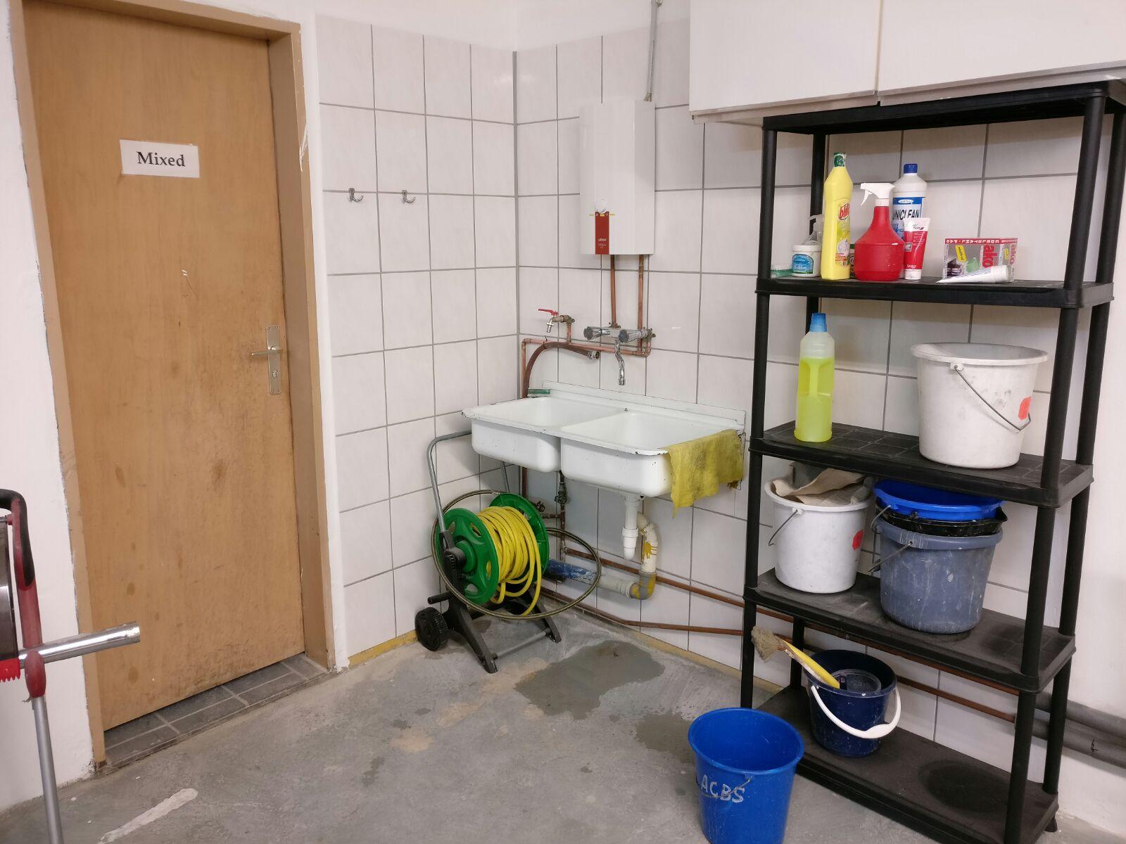 Werkstatt Ecke Mit Waschbecken Fertiggestellt Aero Club